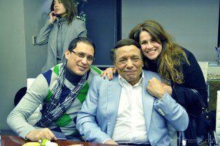 بالصور: عادل إمام وأبطال صاحب السعادة في جلسة عمل قبل بدء التصوير