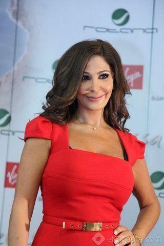 إليسا تتألق بفستان أسود مثير فى حفل مهرجان بيروت السنوى Biaf