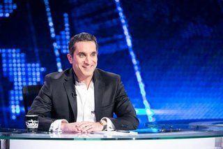 """باسم يوسف يتعاقد مع شبكة أوربت شوتايم للإشراف على النسخة العربية من برنامج """"SNL"""""""