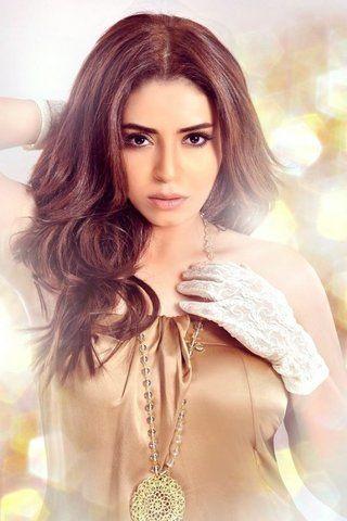 """بالفيديو: ياسمين نيازي تطرح أغنية """"نسايم"""" بمناسبة عيد الحب"""