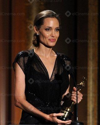 تعرف على طلب أنجلينا جولي لتقديم إحدى جوائز حفل الأوسكار