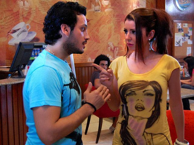 فيلم عايشين اللحظة 2010 معرض الصور