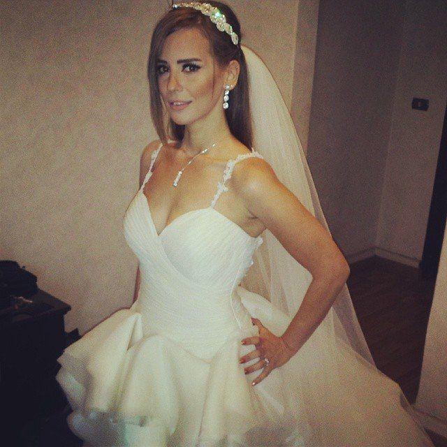 بالصور إيمان العاصي بفستان الزفاف في كواليس فيلم حماتي بتحبني خبر